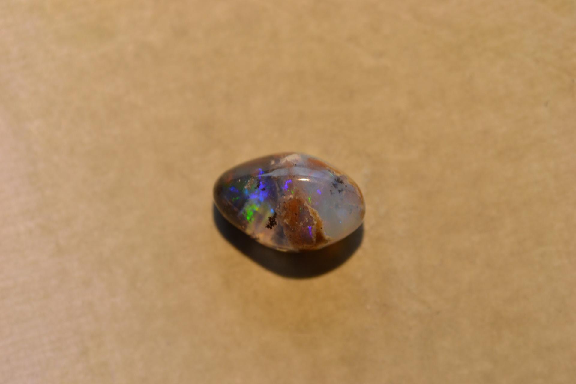 Opalo boulder